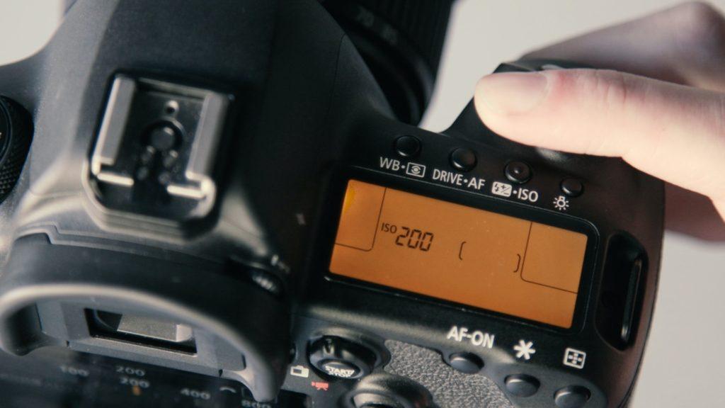 一眼レフでシネマティックな動画を撮影する為の設定