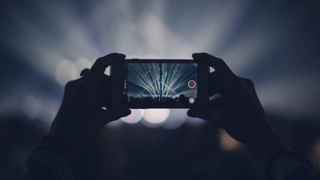 スマホだけで本格的な動画撮影をする為の7つのテクニック